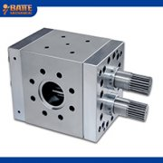 Melt gear pumps for thermoplastic materials